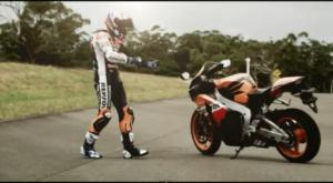 Casey Stoner dengan Honda CBR1000. Sumber: TWB
