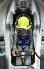 Berita Sirkuit - Mercedes F1 W04 (3)