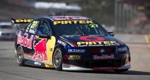 Casey Stoner di balap V8 Supercar. Sumber: MCN